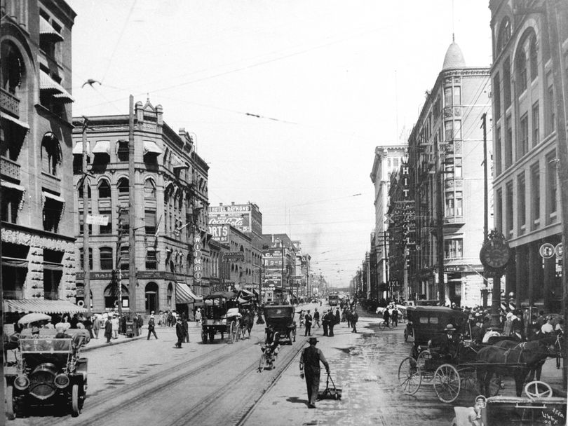 Riverside Avenue in 1909, in front of Central Business Properties Co., the forerunner of Spokane's Fidelity Associates.  (Spokesman-Review file )