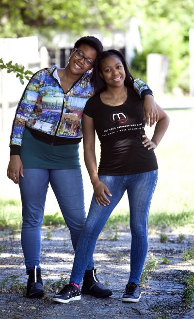 Bianca Armstrong, right, with her daughter Lynnette Stark, 16, left, on Monday, June 4, 2018 in Downers Grove, Ill. Bianca has been co-parenting with Lynnette's father since Lynnette was born. (James C. Svehla / James C. Svehla/Chicago Tribune)
