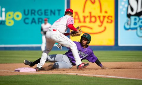 Kenen Irizarry S Big Day At Plate Helps Spokane Indians Keep Rolling The Spokesman Review