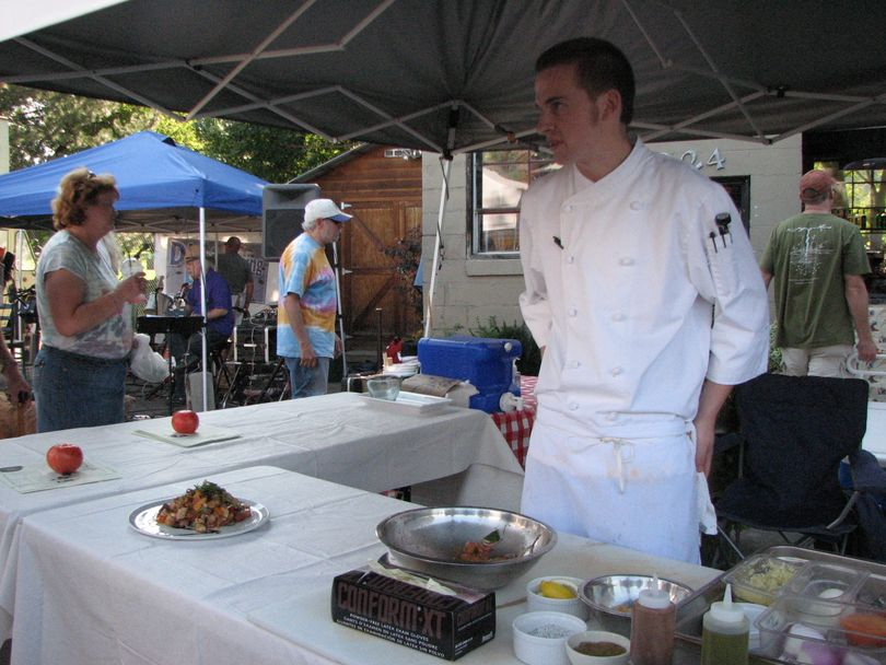 Chef Chris Deitz of South Perry Pizza is doing cooking demonstrations at the South Perry Farmers' Market on Aug. 19, 2010 (Pia Hallenberg)