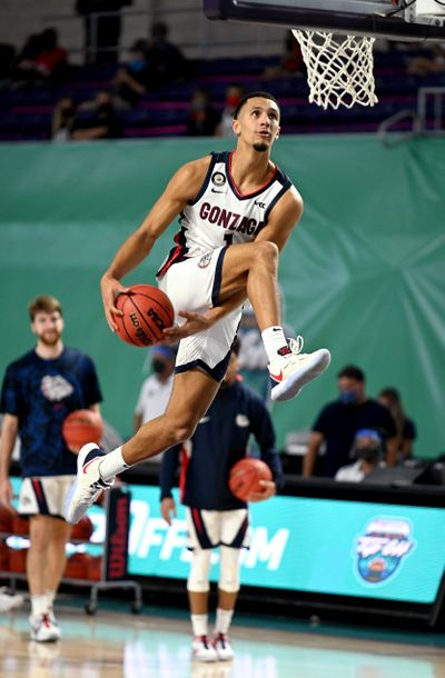 Gonzaga freshman guard Jalen Suggs goes between his legs for a dunk in warm-ups Thursday before the Bulldogs defeated Kansas 102-90 at the Fort Myers Tip-Off in Fort Myers, Fla.  (Chris Tilley/Fort Myers Tip-Off)