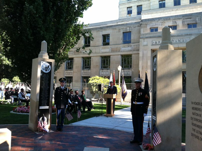 Gov. Butch Otter speaks at a ceremony at the Idaho Fallen Soldier Memorial in Boise on Sept. 11, 2013 (Betsy Z. Russell)