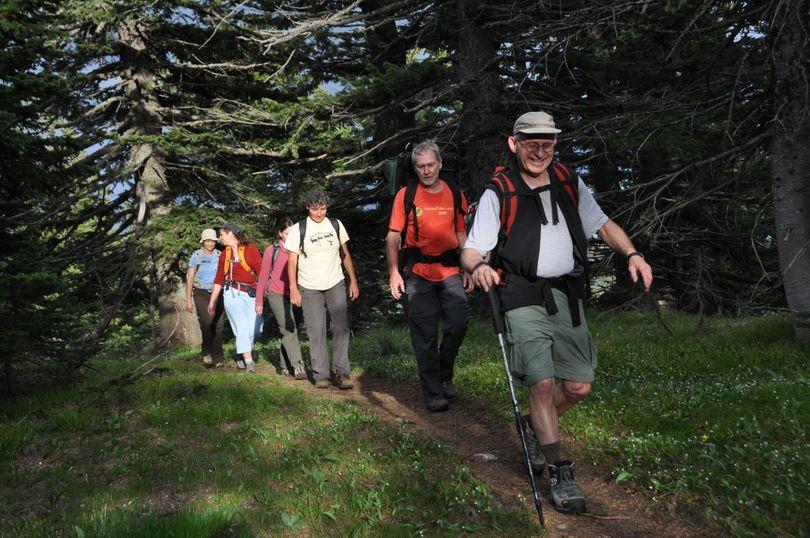 Miles Breneman leads a group of Spokane Mountaineers on a Mount Spokane trail. (Rich Landers)
