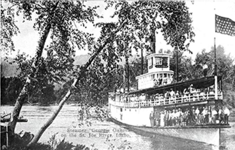 The Georgie Oakes, loaded with passengers, circa 1900.  (Museum of North Idaho / Via Pacific Northwest Inlander)