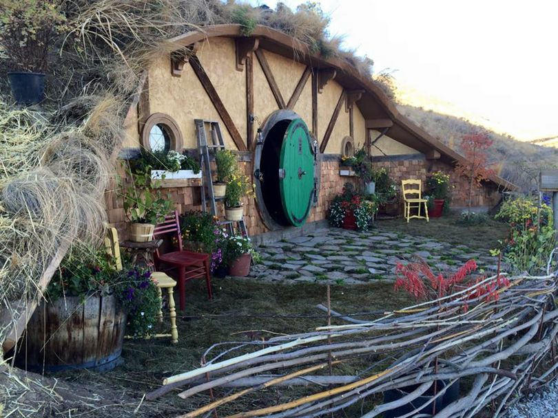 The view  of the front  of the Hobbit Hole vacation-rental house near Chelan, Washington. (Courtesy of Kristie Wolfe)