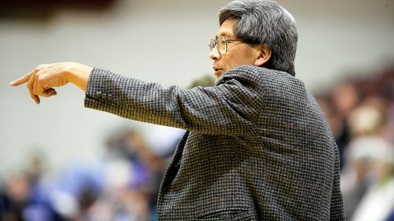 WSU men's basketball assistant coach Jeff Hironaka points out directions to his players during an undated game.  (Courtesy of Seattle Pacific Athletics)