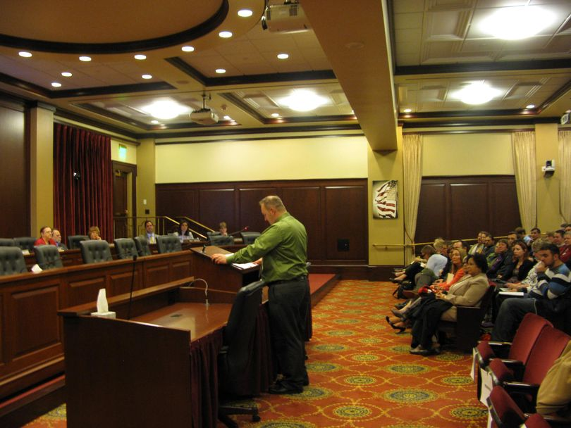 Jim Rodney Busbee testifies in favor of HB 2 on Tuesday evening (Betsy Russell)