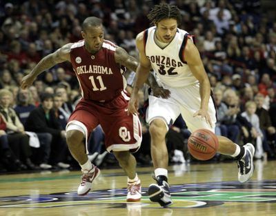 Not much bugs Steven Gray these days, including Oklahoma's Tommy Mason-Griffin.  (Associated Press)