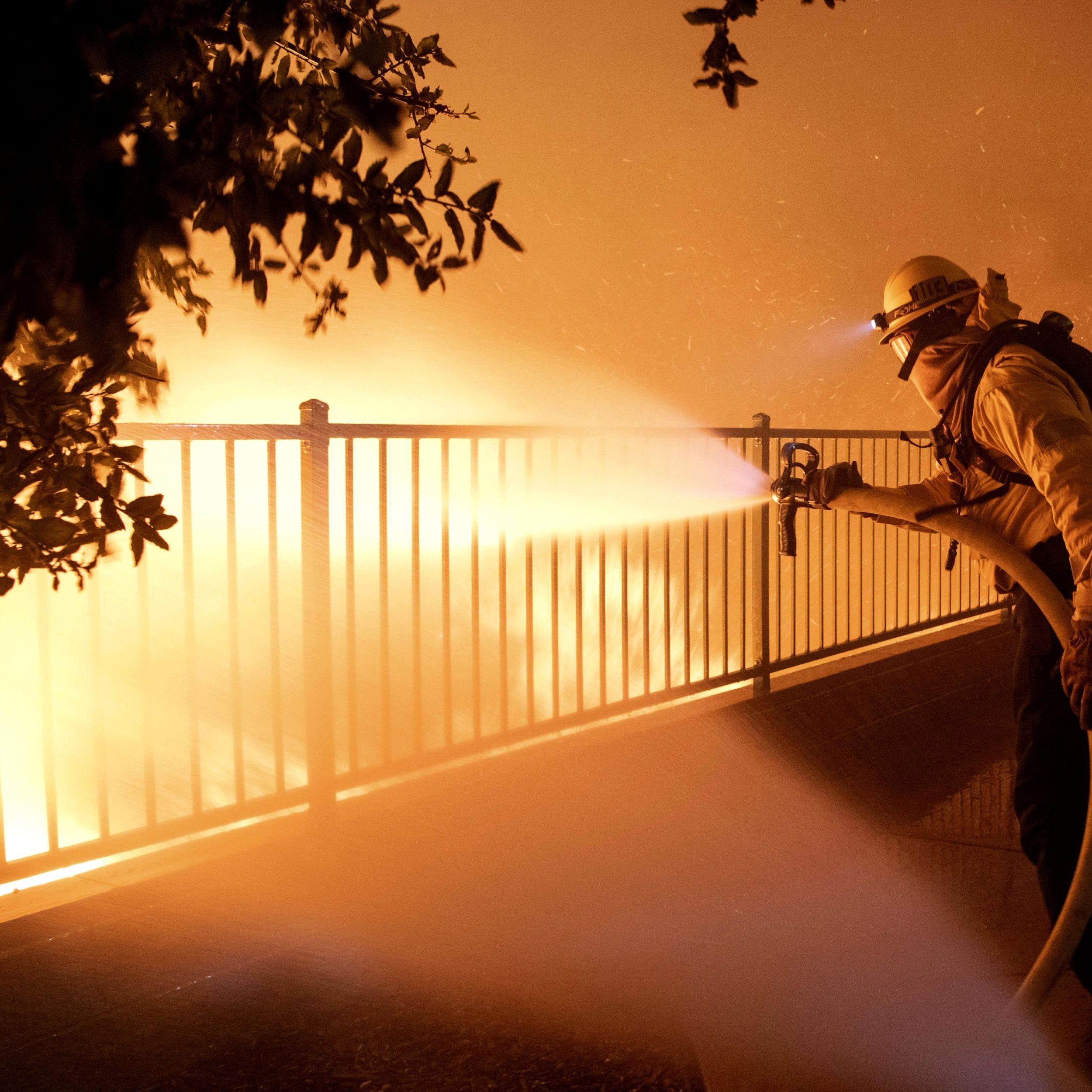 Fast Moving Fire Drives Thousands From California Homes The Spokesman Review