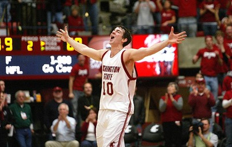 Washington State guard Taylor Rochestie celebrates after an Oregon player drew a foul with 8.9 seconds left in the second half of a college basketball game against Oregon Sunday, Jan. 20, 2008, in Pullman, Wash. Washington State won 69-60. Oregon had won 13 strait and 21 of the last 22 games between the two teams. (AP Photo/Dean Hare) ORG XMIT: WADH107 (Dean Hare / The Spokesman-Review)