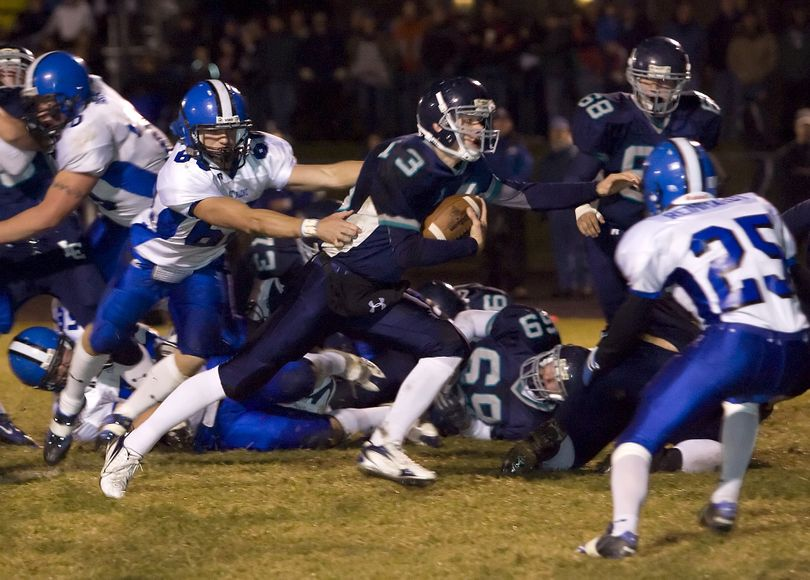 Lake City's Mark Smyly scores the game's first touchdown in the first quarter. Special to  (BRUCE TWITCHELL Special to / The Spokesman-Review)