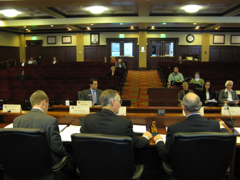 Tax Working Group hearing opens at the Lincoln Auditorium on Tuesday morning (Betsy Z. Russell)