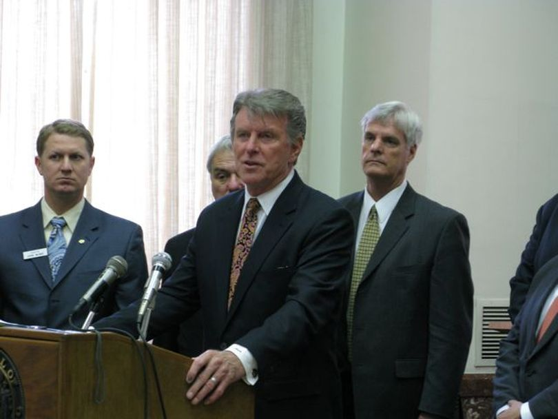 Gov. Butch Otter calls on lawmakers to pass his transportation plan. (Betsy Russell / The Spokesman-Review)