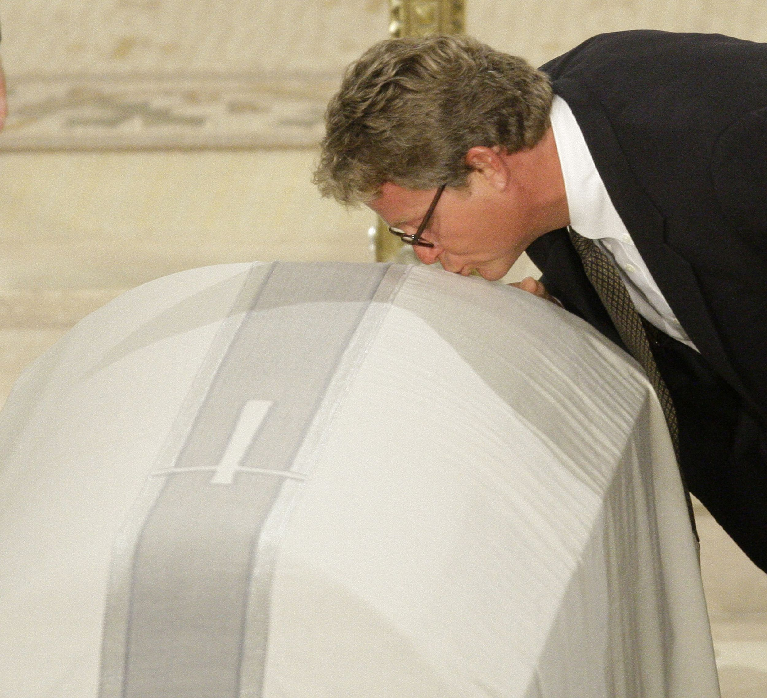 Kennedy Laid To Rest The Spokesman Review