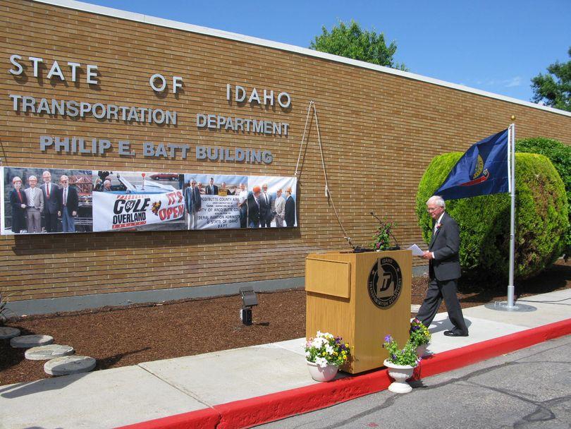 Former Idaho Gov. Phil Batt walks up to the podium at a ceremony renaming Idaho's transportation department headquarters the Philip E. Batt Building on Thursday. (Betsy Russell)