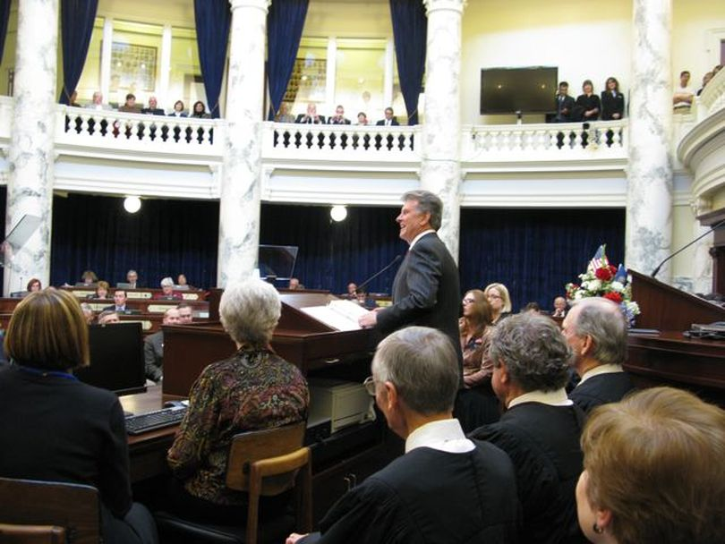 Gov. Butch Otter addresses a joint session of the Idaho legislature. (Betsy Russell)