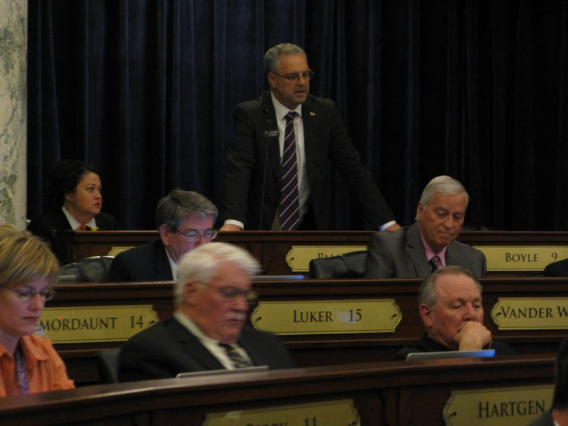 Rep. Joe Palmer opens debate on the transportation bill in the House, shortly after 1 a.m. (Betsy Russell)