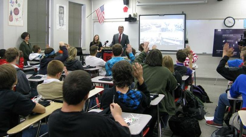 Idaho Gov. Butch Otter asks students in a health class at Boise High School to raise their hands if they've heard of the Meth Project anti-drug program on Tuesday; most had. (Betsy Russell)