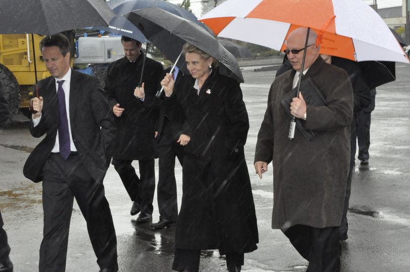 Treasury Secretary Timothy Geithner and Gov. Chris Gregoire tour the Port of Tacoma on Tuesday, May 18, 2010 (Jim Camden, Spokesman-Review)