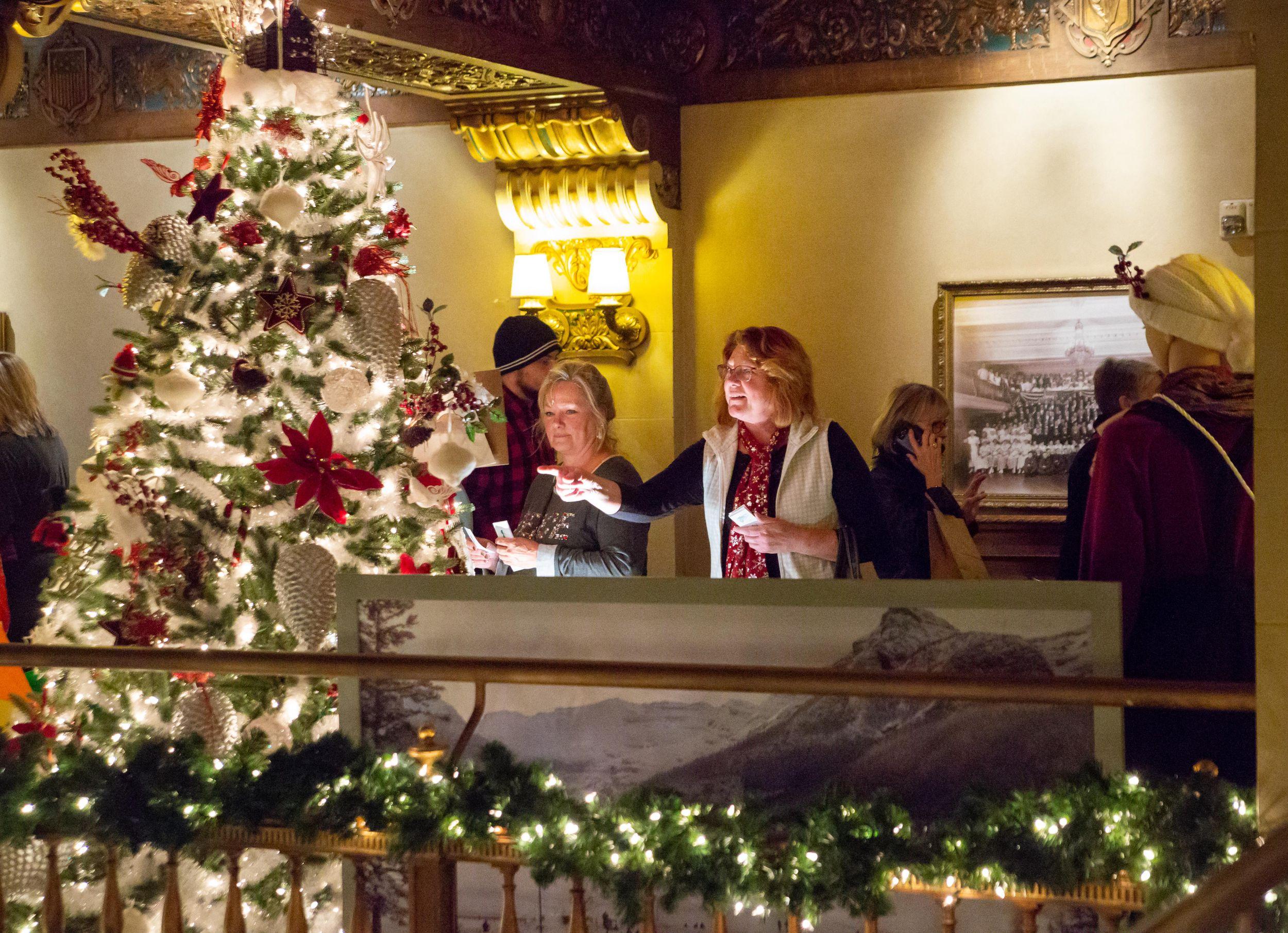 Davenport Hotel Christmas Tree Elegance 2021 Christmas Tree Elegance Raises Money For Spokane Symphony The Spokesman Review