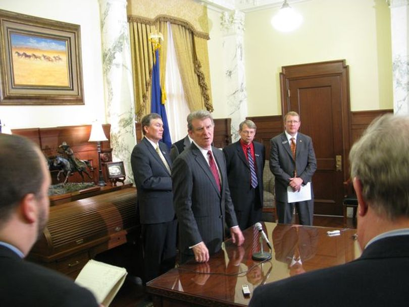 Gov. Butch Otter fields questions from reporters in his office after his State of the State address to lawmakers. (Betsy Russell)