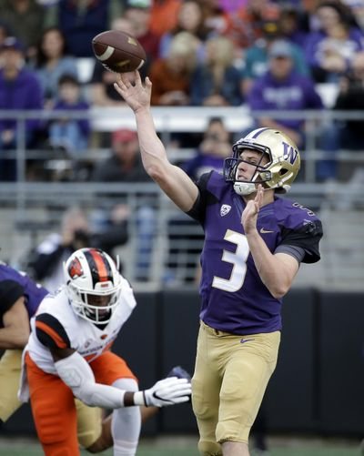 Washington quarterback Jake Browning in action against Oregon State in an NCAA college football game Saturday, Oct. 22, 2016, in Seattle. (Elaine Thompson / Associated Press)
