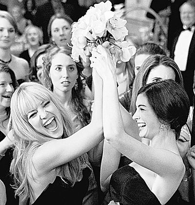 """Kate Hudson, left, and Anne Hathaway in """"Bride Wars.""""  (Associated Press / The Spokesman-Review)"""