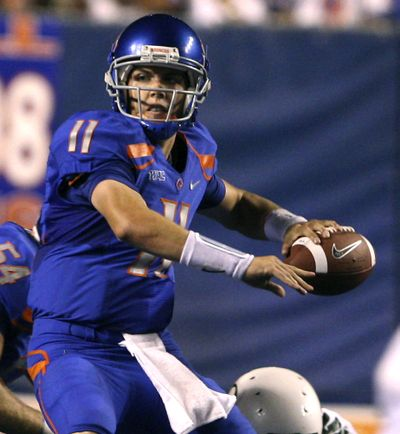 Boise State QB Kellen Moore led the Broncos to a 19-8 victory over the Oregon Ducks. (Associated Press / The Spokesman-Review)