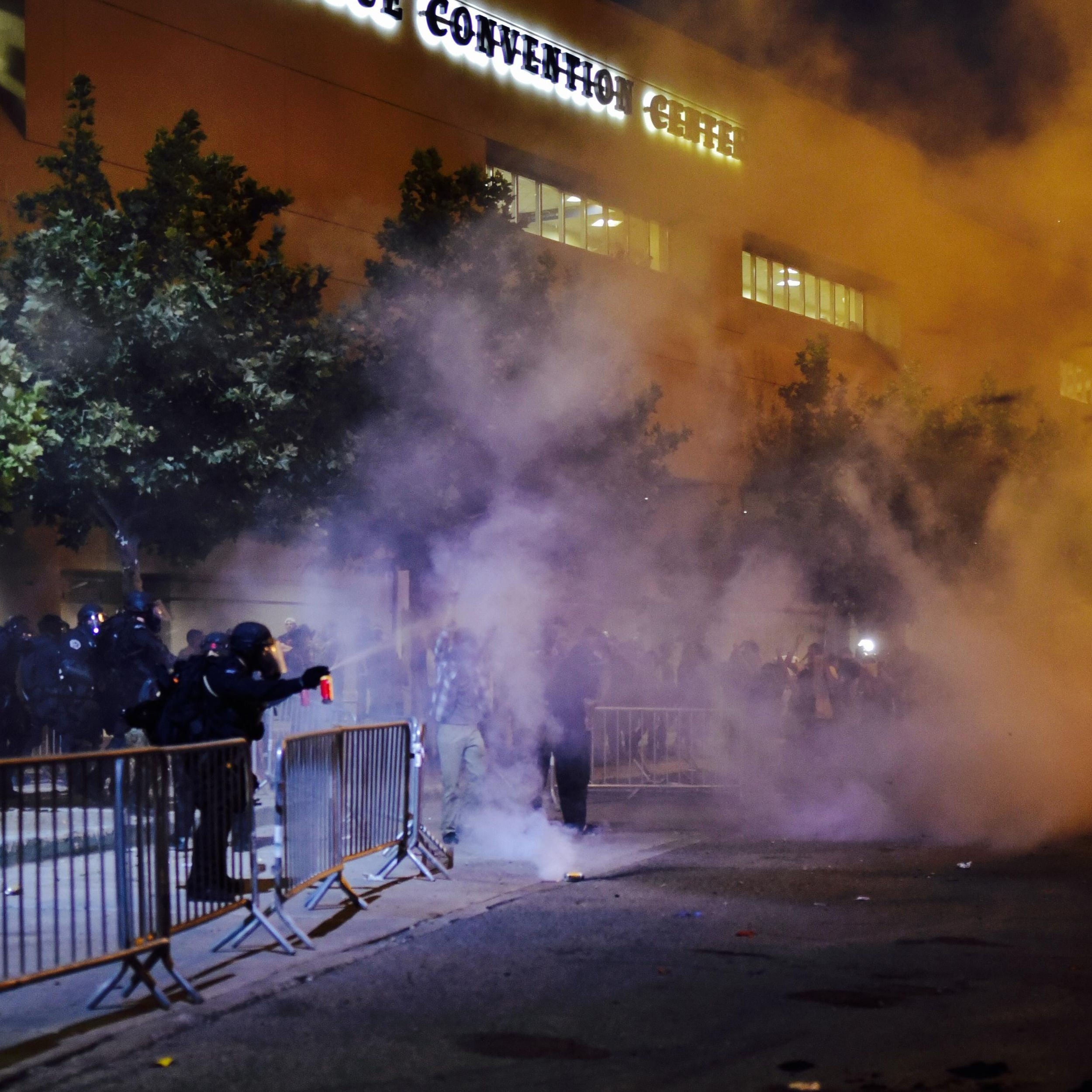 Protests Turn Violent Outside Trump Rally In New Mexico The Spokesman Review