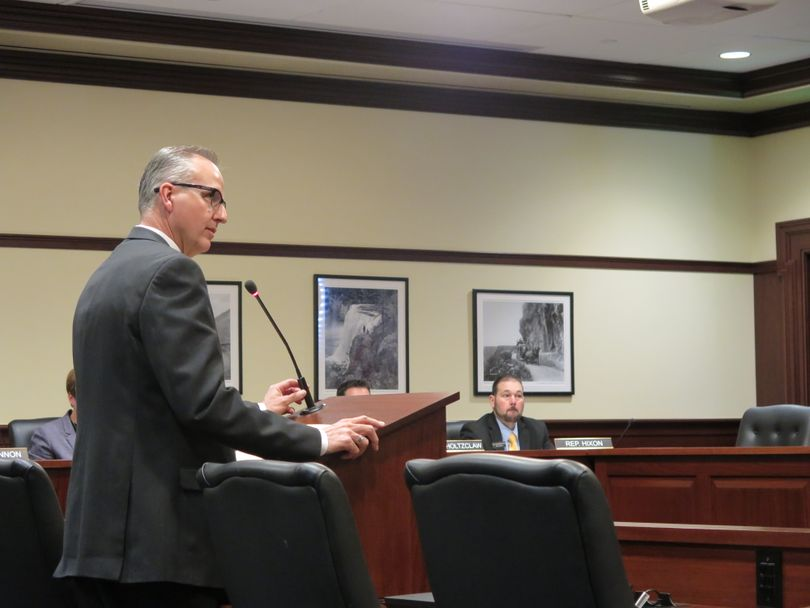 Rep. Ron Nate, R-Rexburg, addresses the House Transportation Committee on Thursday, Feb. 2, 2017 (Betsy Z. Russell)