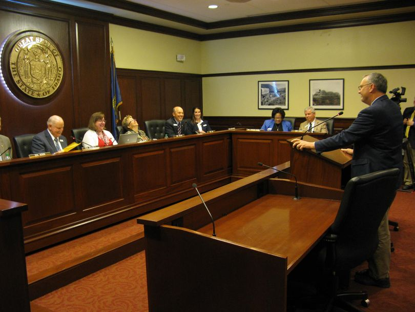 House Transportation Chairman Joe Palmer gives an abbreviated presentation to the Senate Transportation Committee on HB 312 on Thursday afternoon (Betsy Russell)
