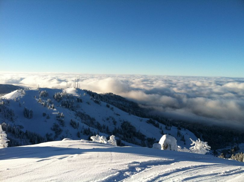 Winter inversion fills the Treasure Valley with fog, while above, at Bogus Basin, there are clear, blue skies and sunshine on Tuesday morning (Betsy Russell)