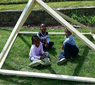 The author's children in the fort they built when it turned out sticks wouldn't work. (Courtesy of Lester Davis / Courtesy of Lester Davis)