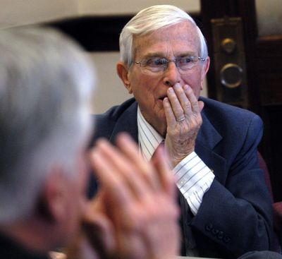 Rep. Mike Mitchell, D-Lewiston, discusses issues regarding the governor's highway plan with other members of an ad hoc committee Monday, April 4, 2005, at the Statehouse in Boise, Idaho. Mitchell died Friday in Boise. (DARIN OSWALD / Darin Oswald/Idaho Statesman)