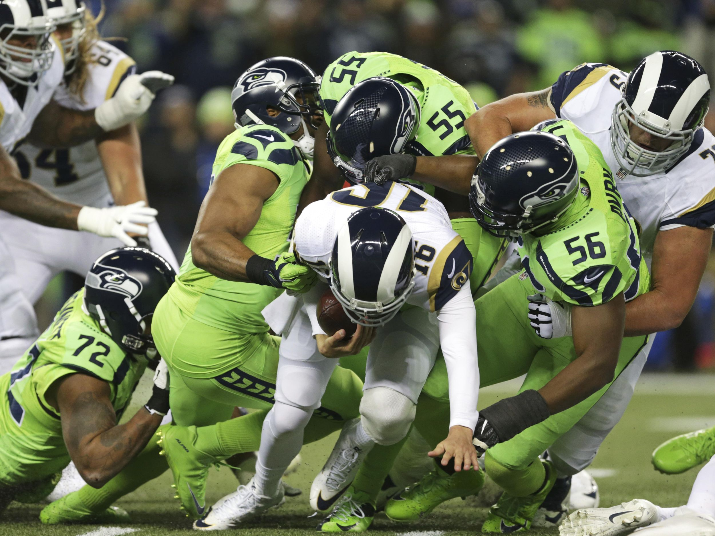 Seahawks Take Nfc West Title With 24 3 Win Over Rams The Spokesman Review