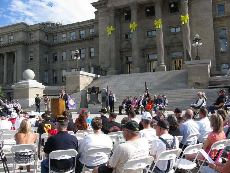 U.S. Sen. Mike Crapo addresses a crowd of veterans Tuesday morning on the state Capitol steps, to formally designate I-84 in Idaho as Vietnam Veterans Memorial Highway (Betsy Russell)