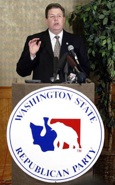 Washington state Republican Party Chairman Chris Vance talks to reporters Tuesday, June 7, 2005, in Tukwila, Wash.  (Associated Press / The Spokesman-Review)