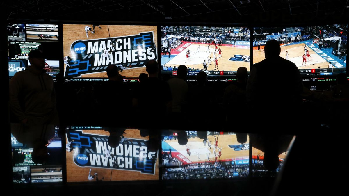 Sports betting mov spread betting vs spot forex option