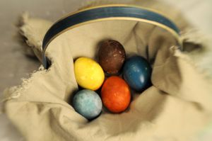 Easter eggs can be dyed naturally with juices and extracts.  (Jesse Tinsley / The Spokesman-Review)