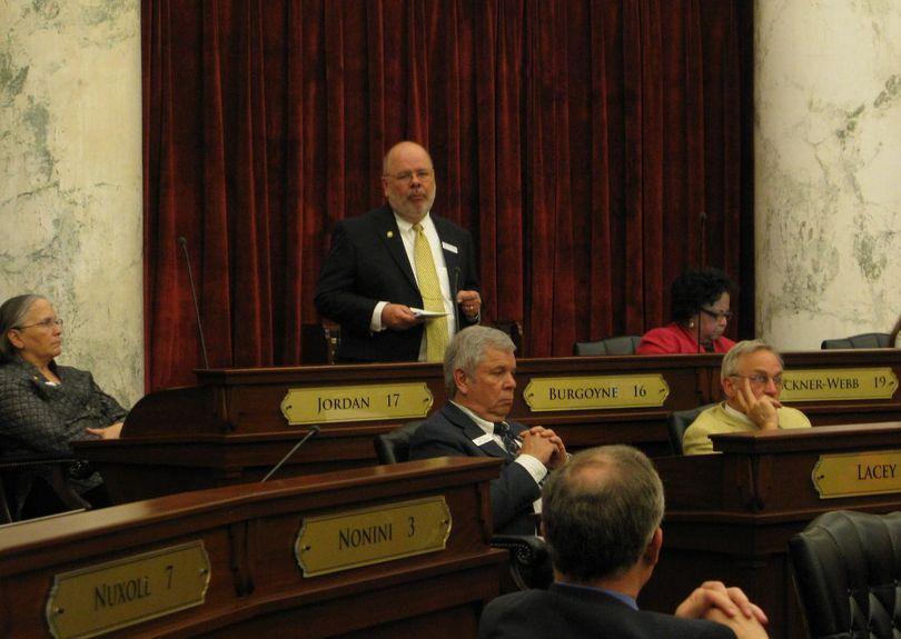 Sen. Grant Burgoyne debates against the transportation bill in the Senate (Betsy Russell)