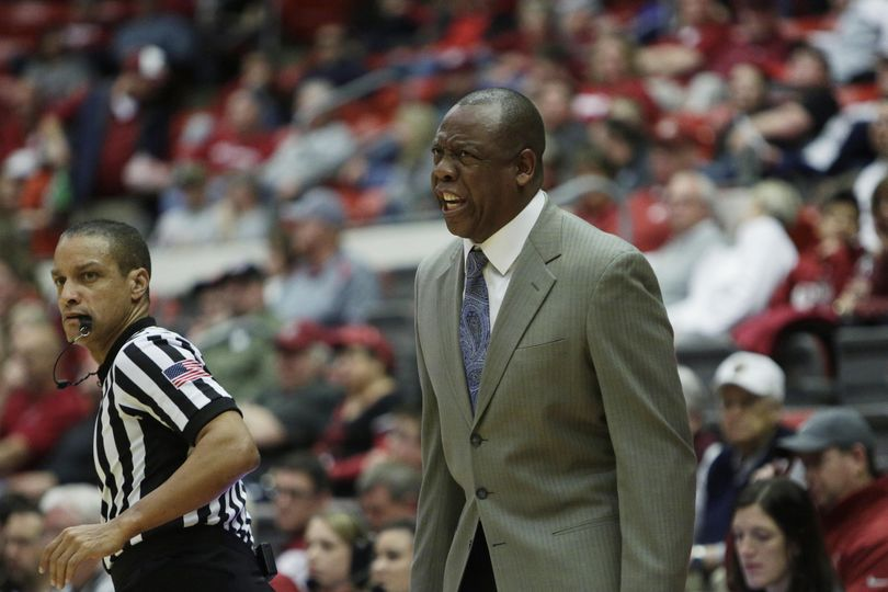 Washington State coach Ernie Kent. (AP)