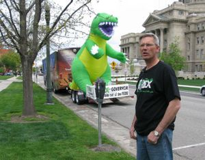 Candidate Rex Rammell with his giant inflatable dinosaur (Betsy Russell)