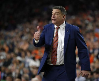 Auburn head coach Bruce Pearl directs his team during the second half in the semifinals of the Final Four NCAA college basketball tournament, Saturday, April 6, 2019, in Minneapolis. (Charlie Neibergall / Associated Press)